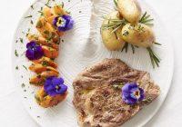 Côtes de porc au collet marinées au miel et au thym - AJI Magazine